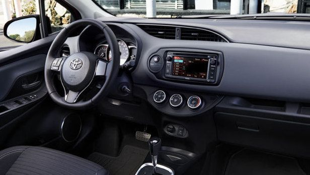2016 Toyota Yaris   Interior