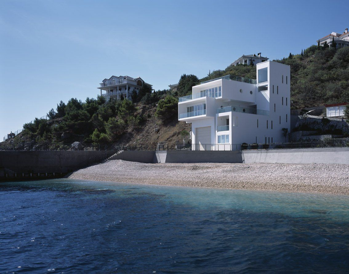 Sea Side Sanctuary: Modern House At The Edge Of The Sea , Has Stunning