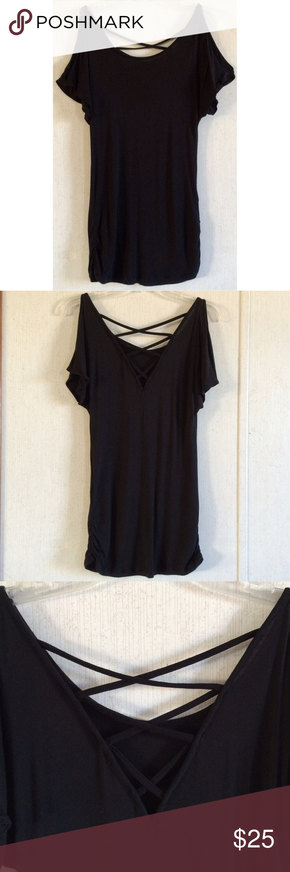 Express cold shoulder caged tunic great condition one side is very