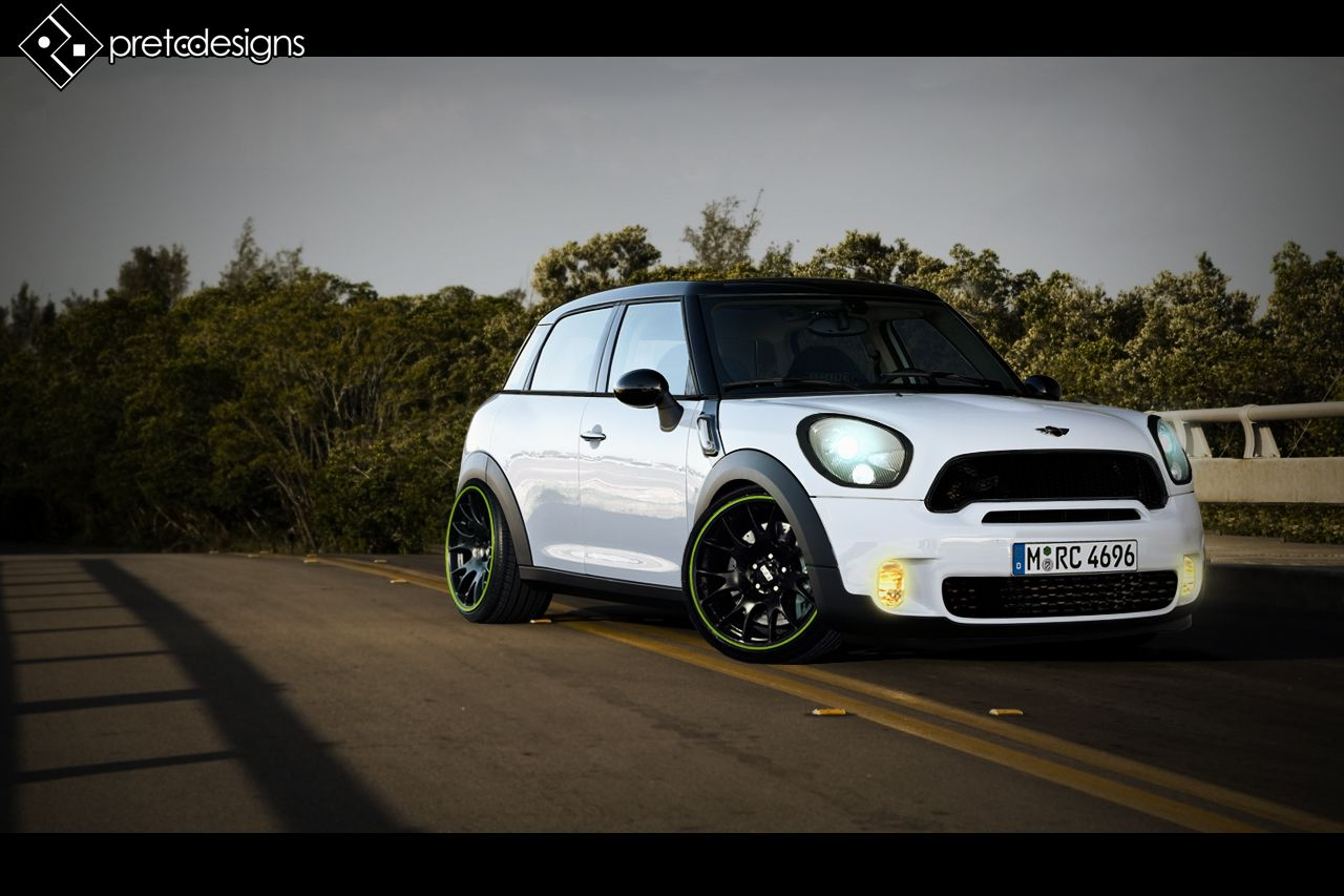 Tryied to give a sportier look to the new mini countryman