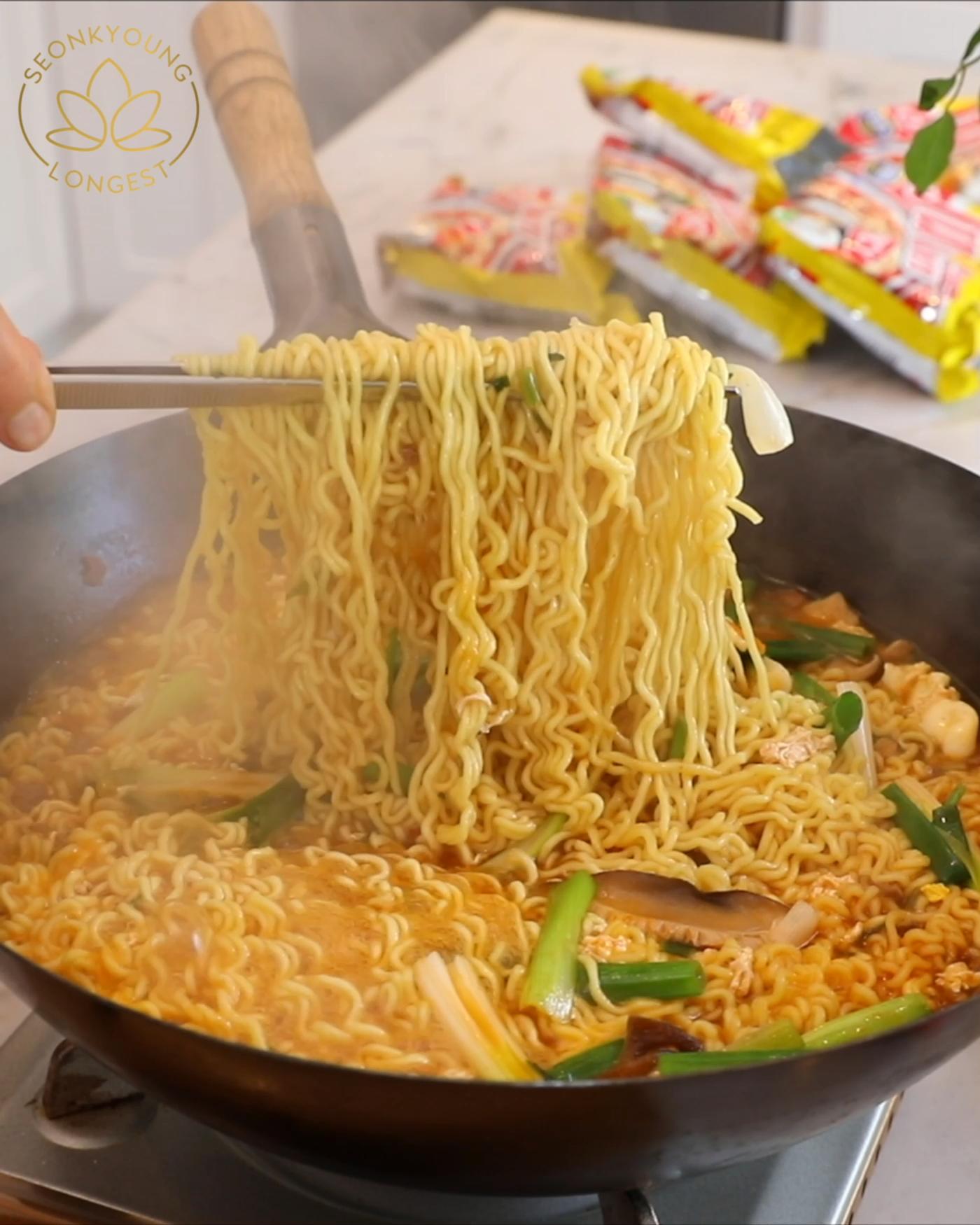 HOW TO COOK KOREAN RAMEN HACK RECIPE & VIDEO