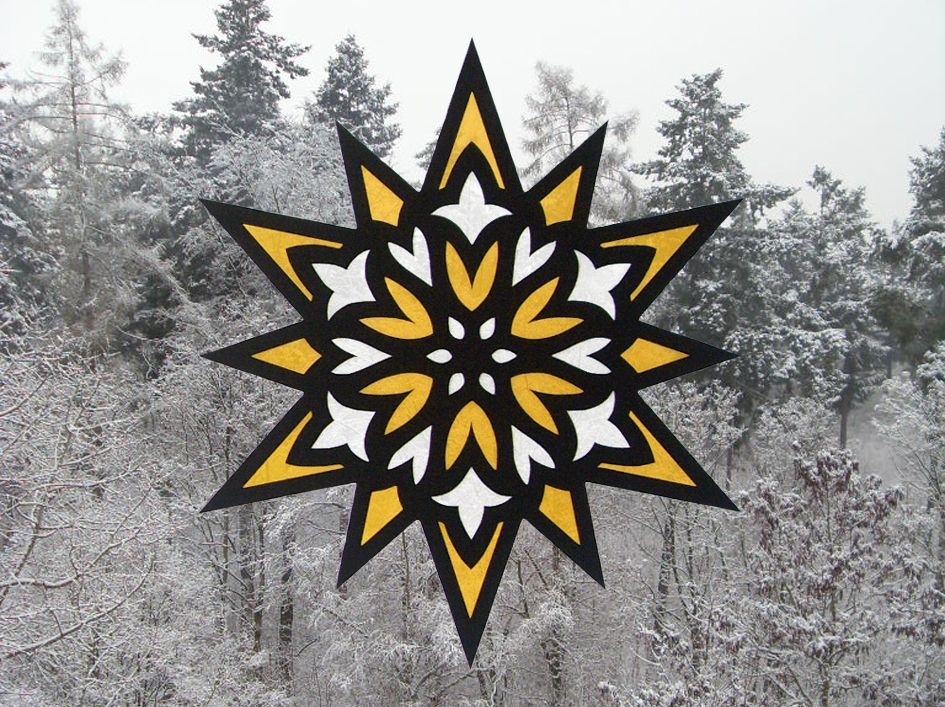sechs wundersch ne winterliche sternen fensterbilder aus. Black Bedroom Furniture Sets. Home Design Ideas