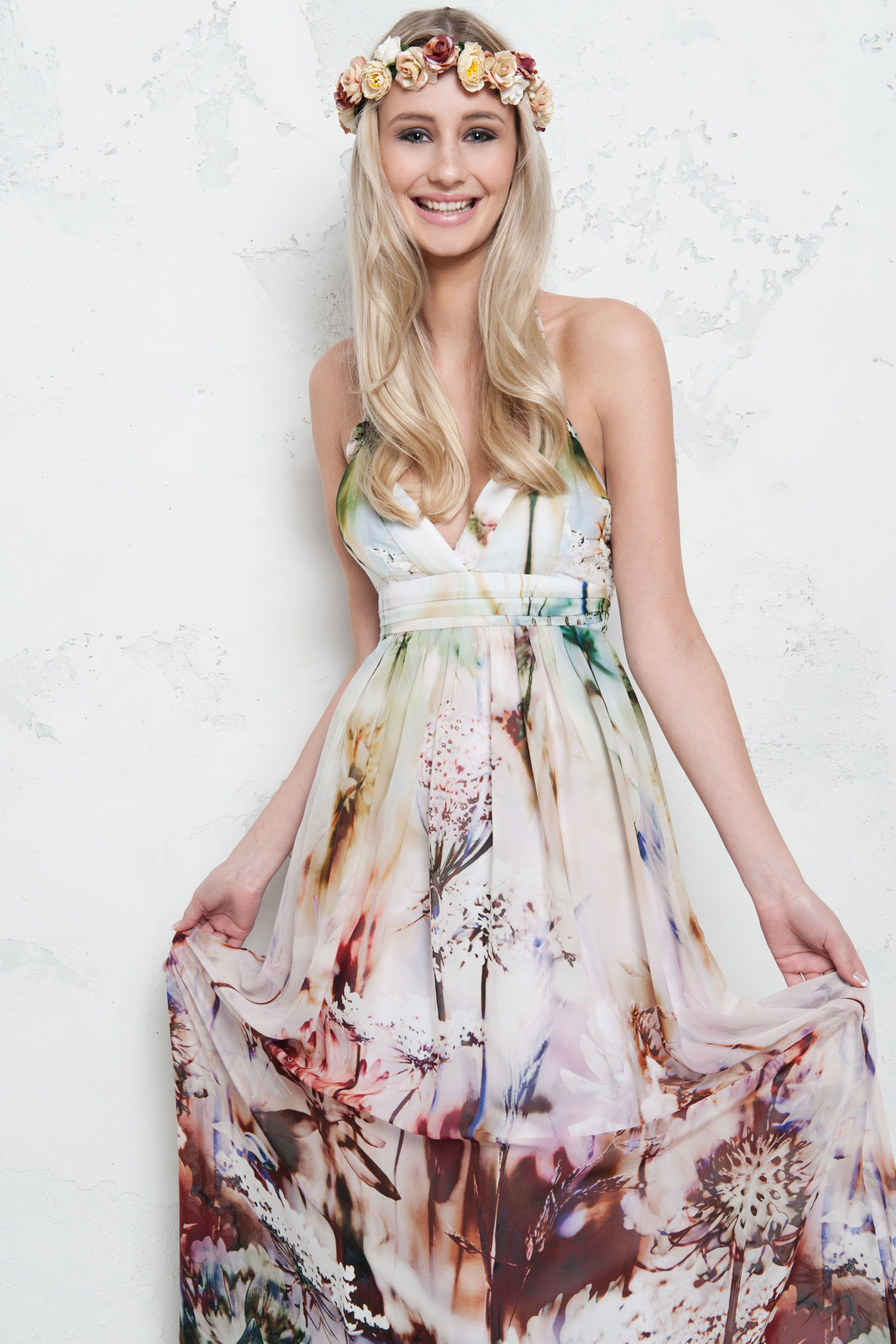 Seidenkleid mit Blumenprint von Young Couture. Kleid ...