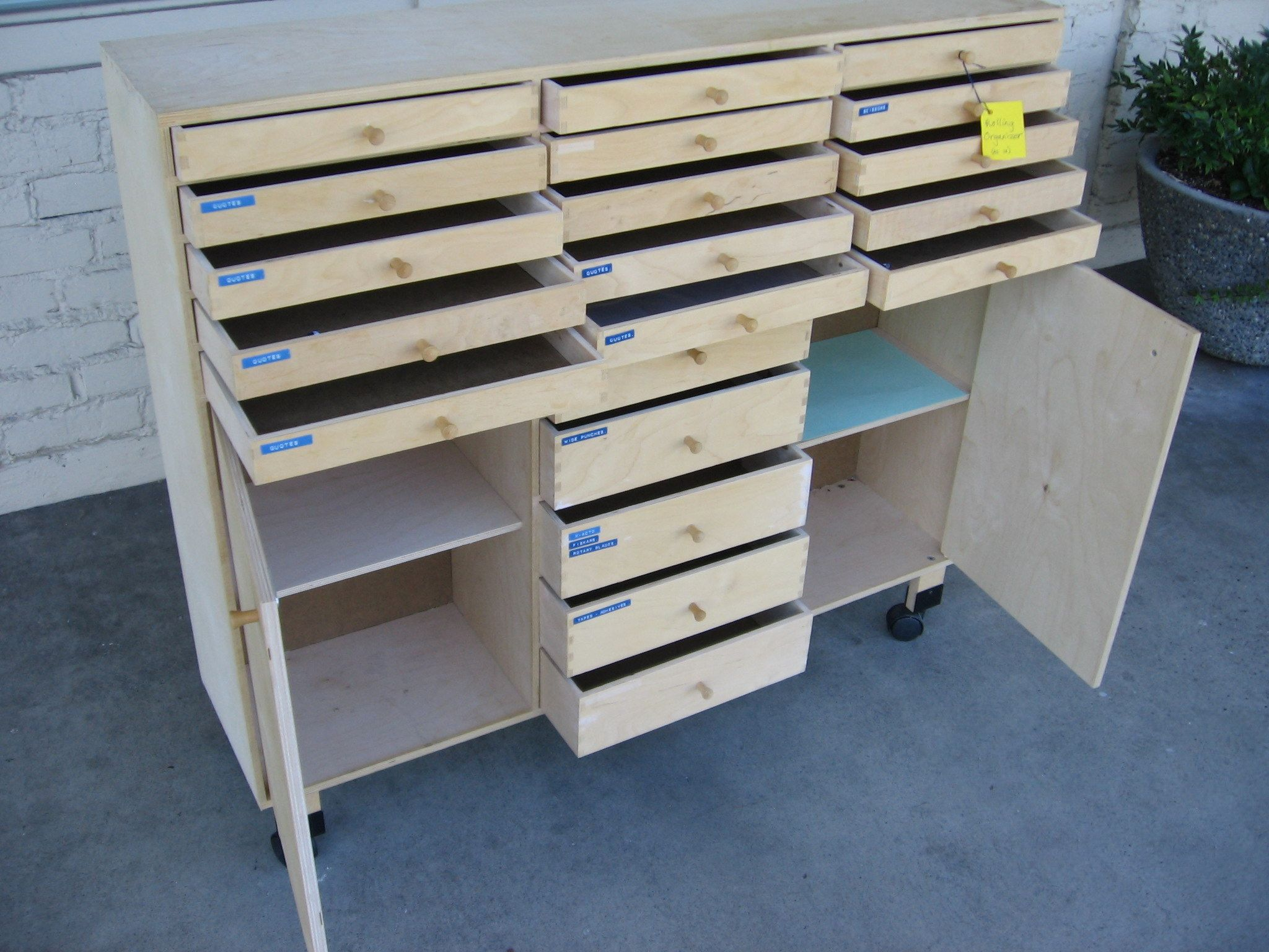 Marvelous Rolling Organizer In Birch Plywood For Artists And Crafters