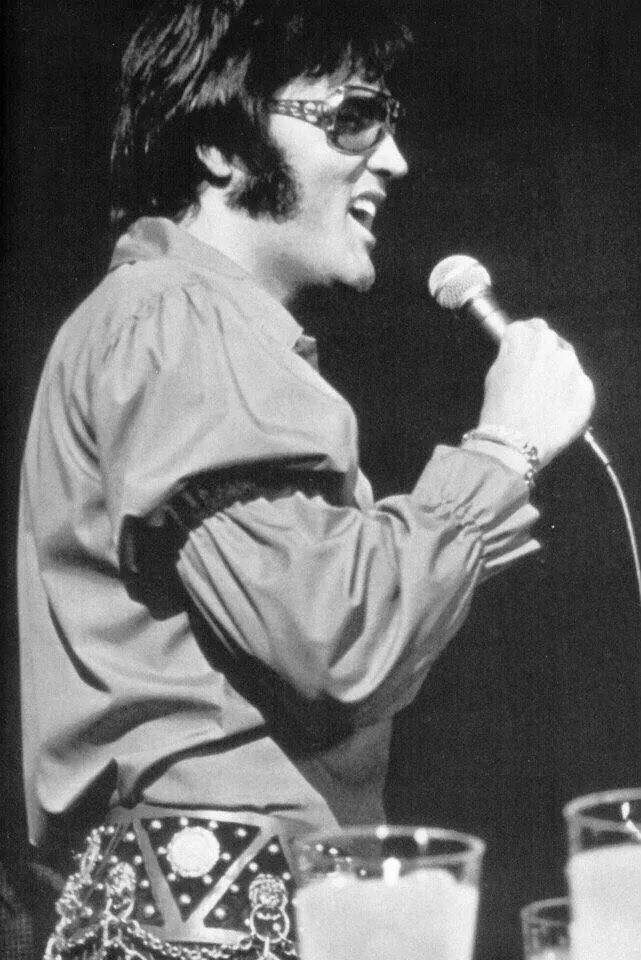 """Elvis in Rehearsal @ the Showroom, International Hotel, Las Vegas, 1970 which became the concert movie @That's The Way It Is"""""""