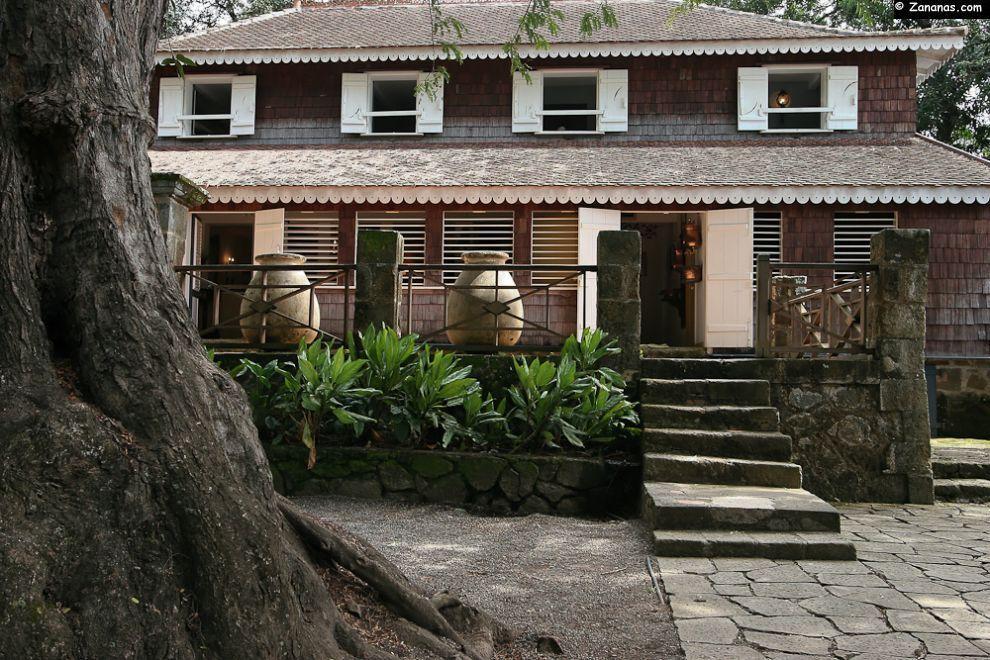 La maison de maître de l\u0027Habitation Clément sur la commune du - Exemple De Facade De Maison