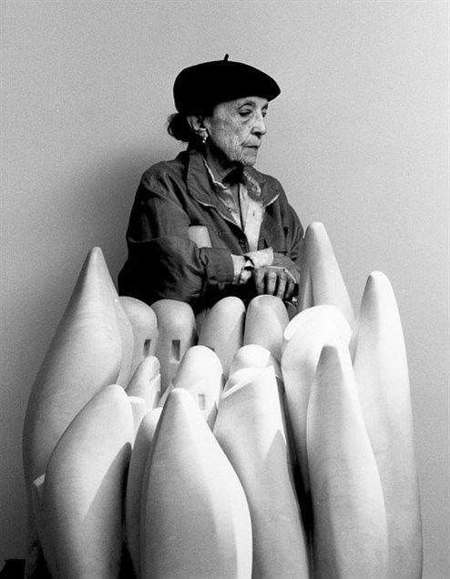 Interviews sind ihm ein Gräuel. Seitdem Helmut Lang nicht mehr Mode, sondern Kunst macht, redet er noch seltener über seine Arbeit. Für uns hat er eine Ausnahme gemacht