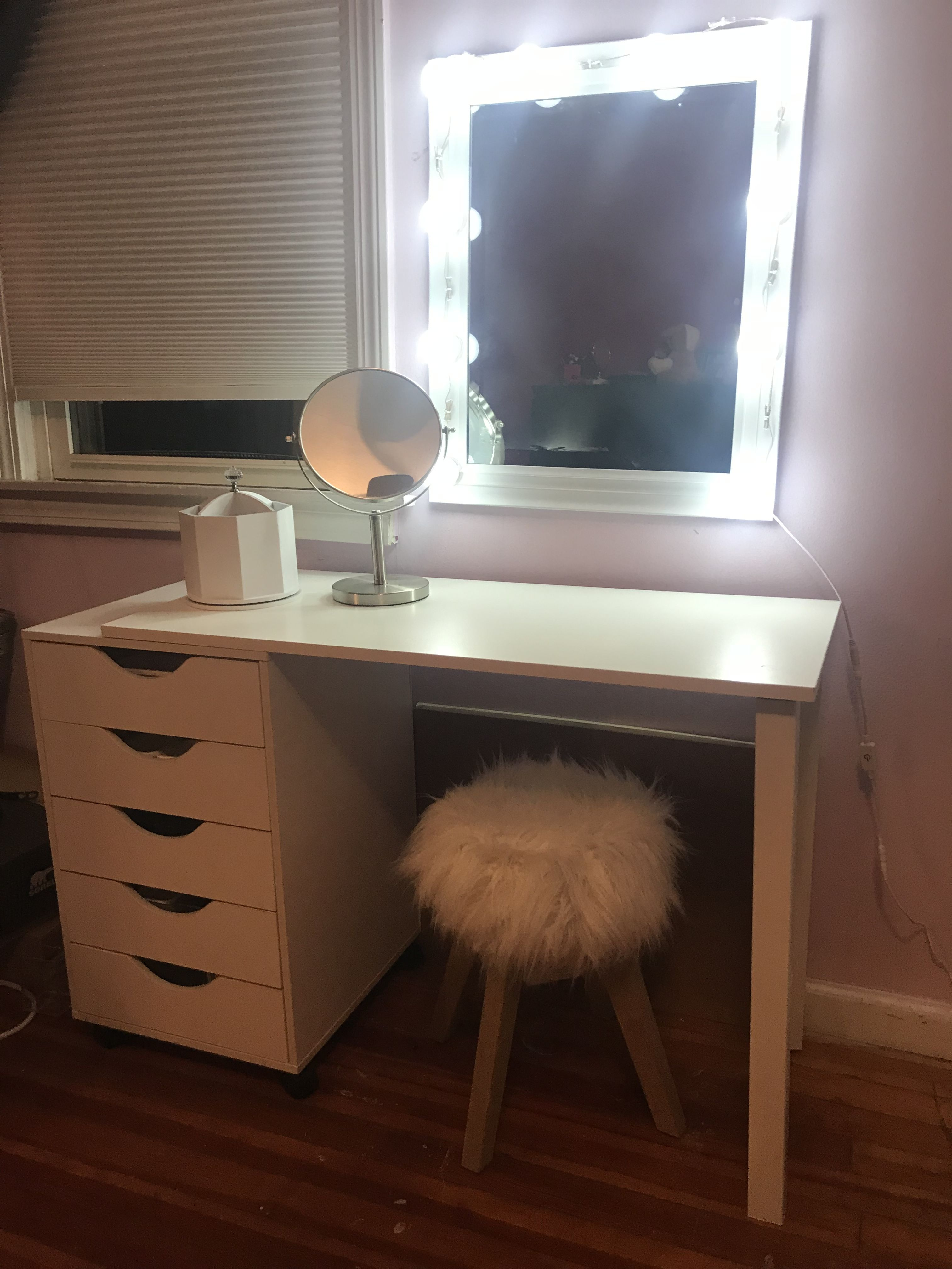 Diy Vanity I Made This Vanity For My Daughter I Used Michaels