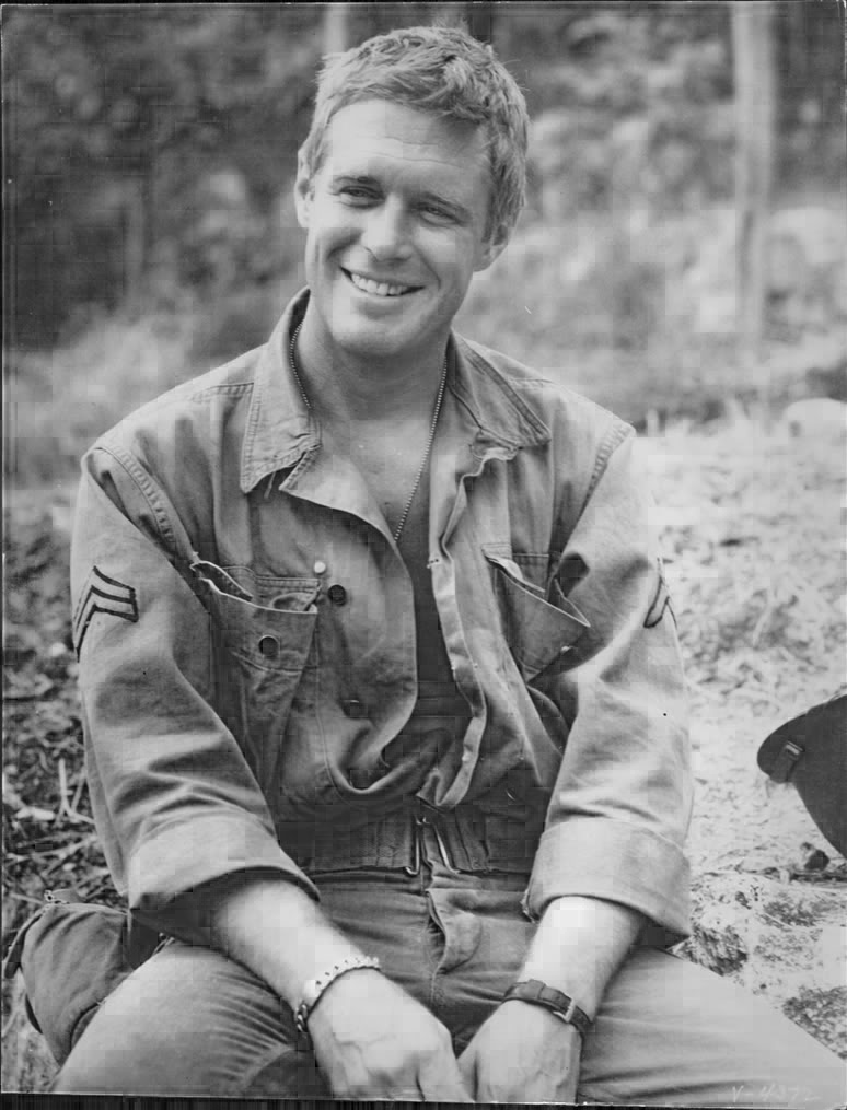 George Peppard, looking remarkably like Michael Weatherly