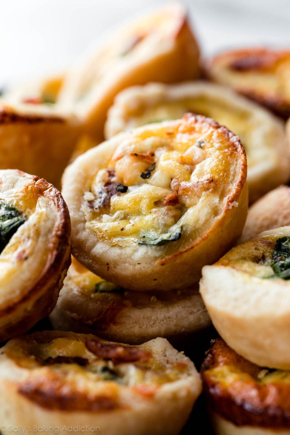 Easier And Quicker Than The Full Size Version My Mini Quiche Uses A Buttery Flaky Pie Crust And A Simple 4 5 In In 2020 Mini Quiche Recipes Quiche Recipes Mini Quiche
