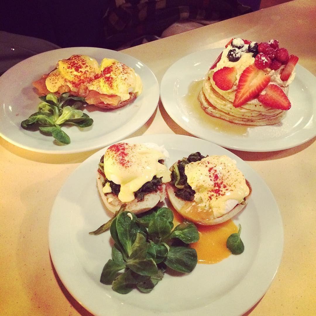 #breakfast at #breakfastclub #london @ina.ke  #eggbenedict #pancakes #coffee by mary_lu1111
