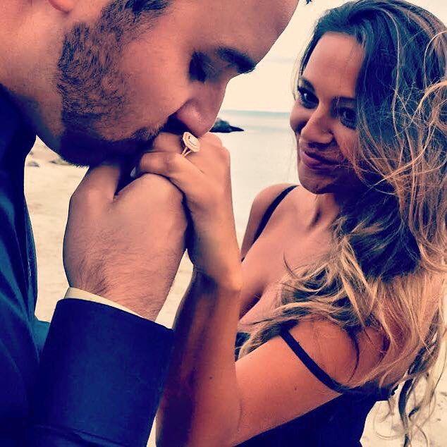 #theknot #weddingcrunchtime #engagementphotos #smile