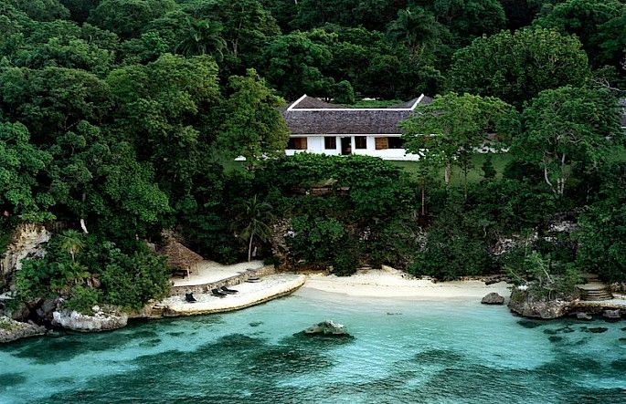 We wonder--how did Ian Fleming ever get ANY work done at the beautiful Goldeneye Estate in Jamaica?