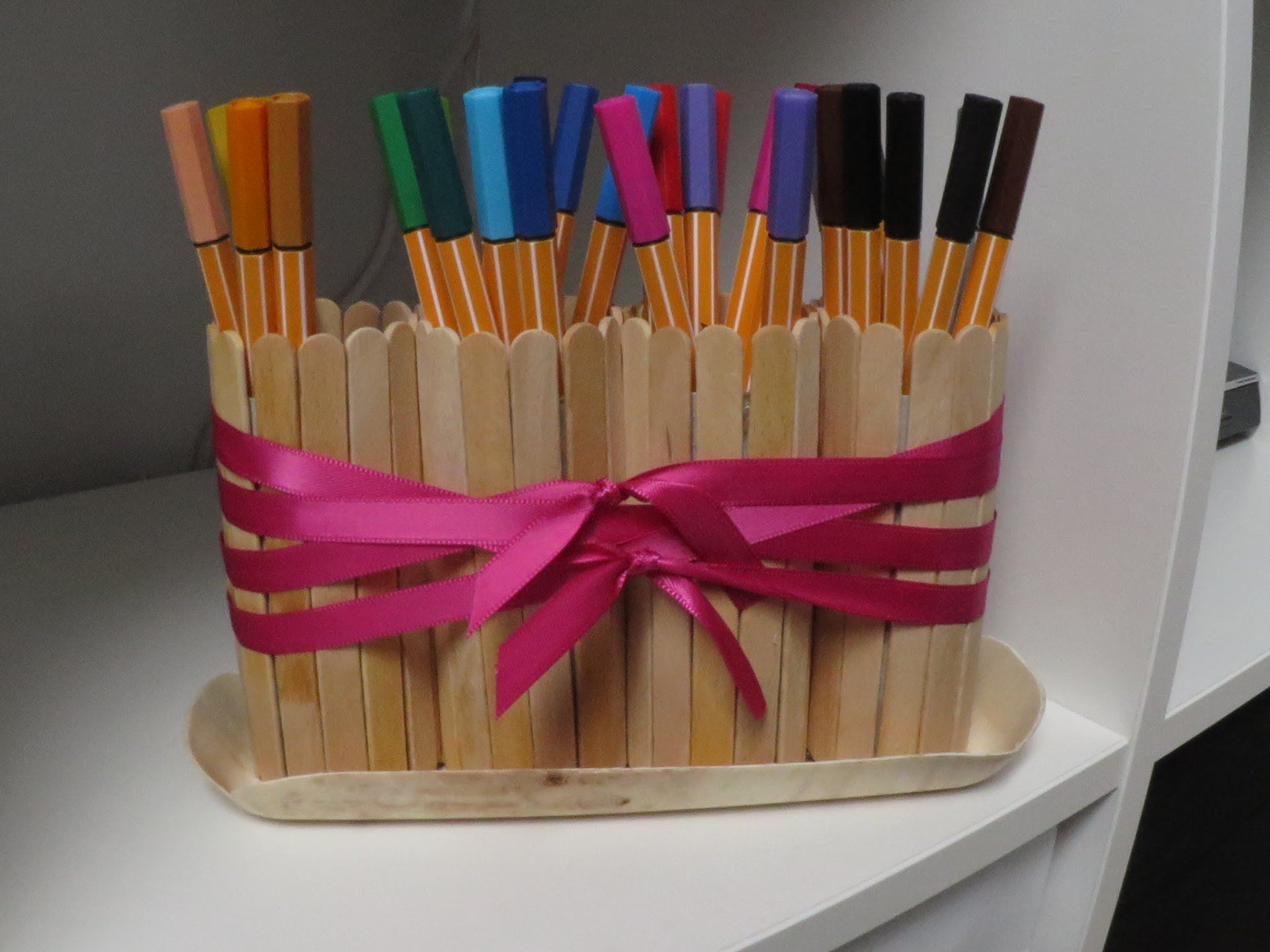 diy upcycling pencil holder pencil case stiftehalter. Black Bedroom Furniture Sets. Home Design Ideas