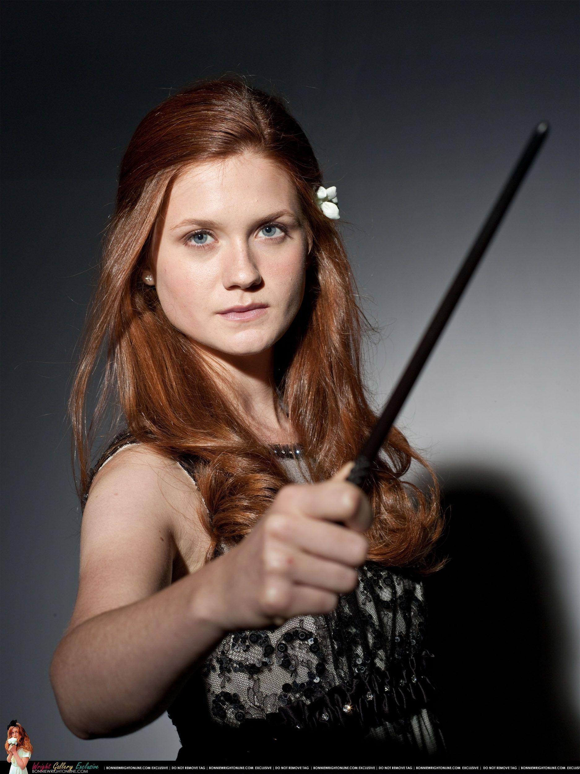 Bonnie Wright Photo New Ginny Promo Pics Harry Potter Ginny Harry Potter Ginny Weasley Ginny Weasley
