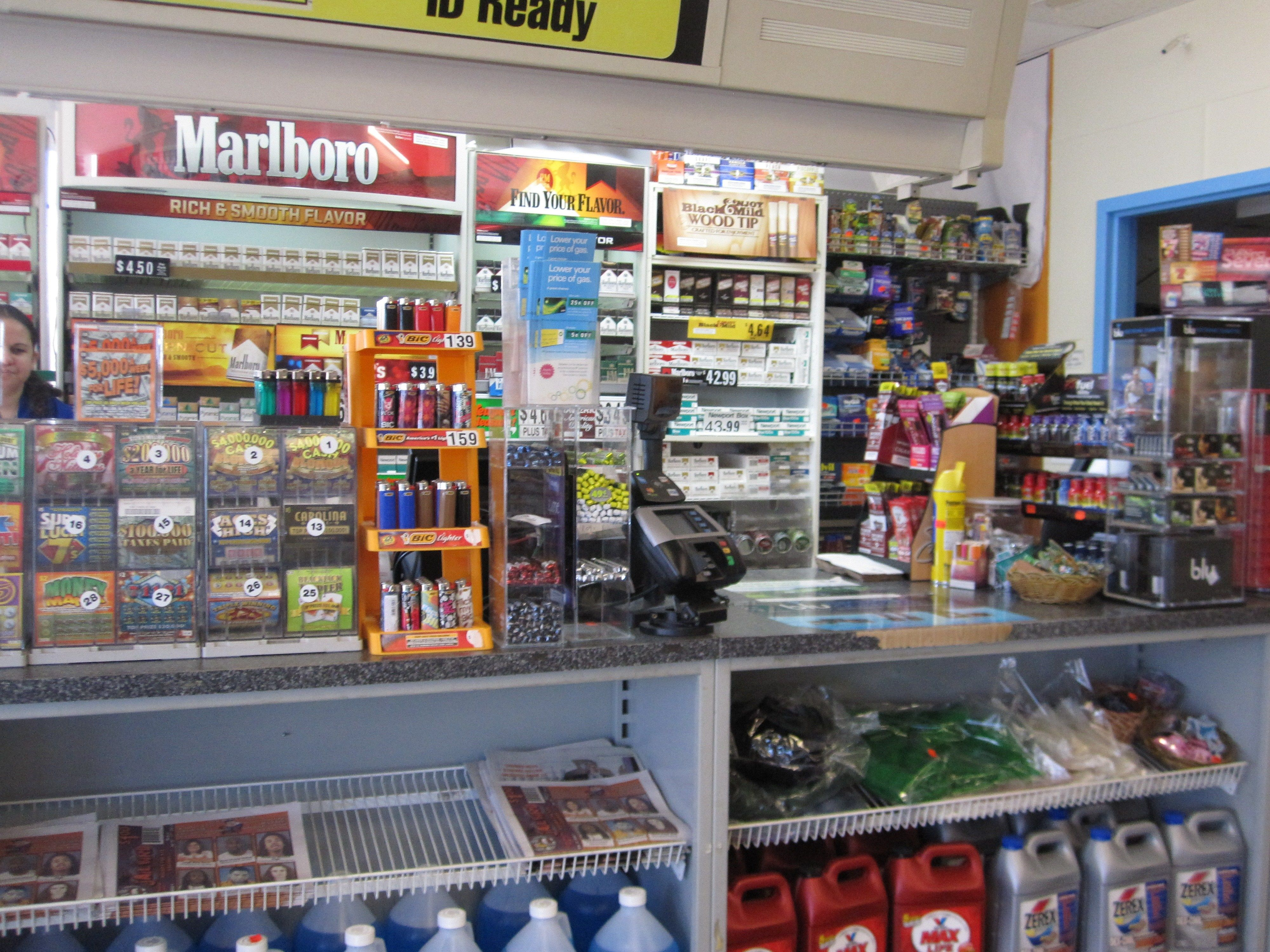 Pin By Alison Froling On Sleazy Truck Stop Ref Old Gas Stations Gas Station The Bodega