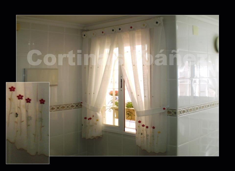 Cortina cocina en visillo bordado en dos hojas con - Cortinas con visillo ...