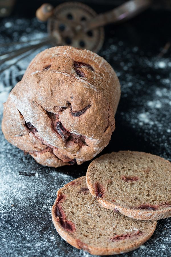 Madame Tam Tam: Ein weihnachtliches Rote-Bete-Brot ... mmmhhh ...