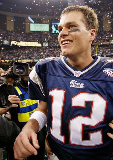 965ee22d9d4 tom brady 2001 | Tom Brady celebrates after beating the St. Louis Rams in  Super Bowl ... ;)
