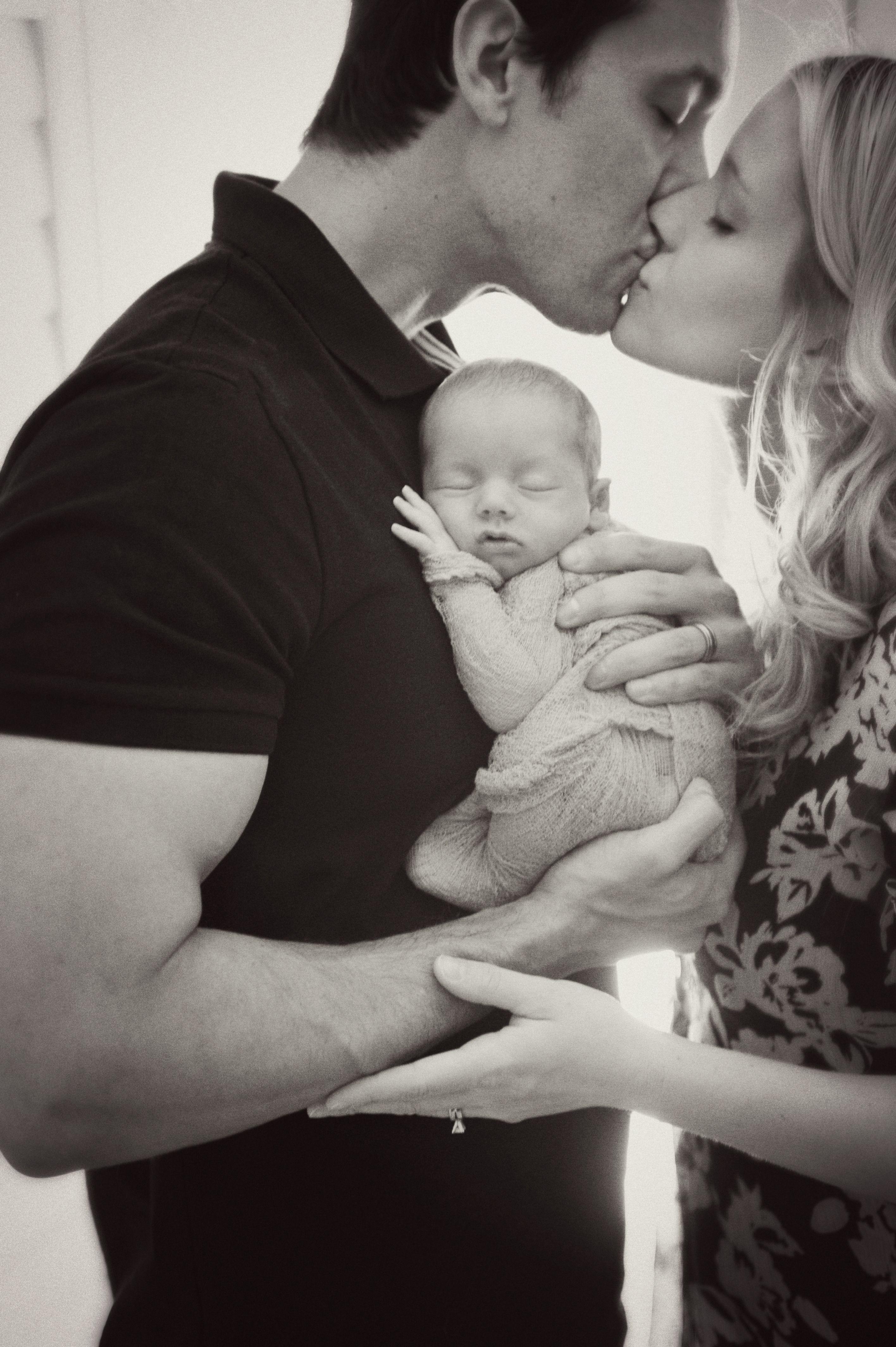 Newborn photography pose ideas 87 newborn shoot newborn poses newborn baby photography family