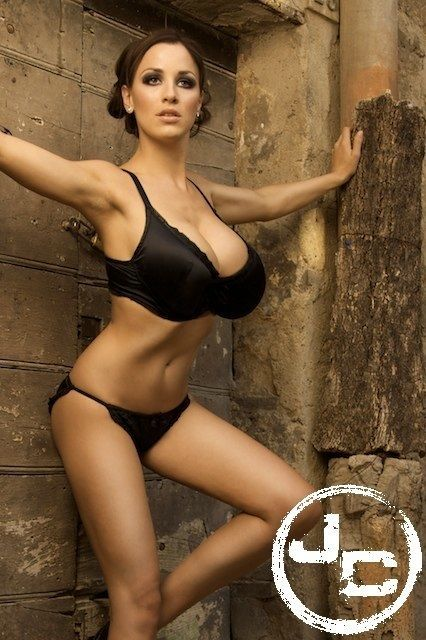 Jordan Carver Bra Cup Sizes Nice Jugs Best Swimsuits Hot Brunette Germany