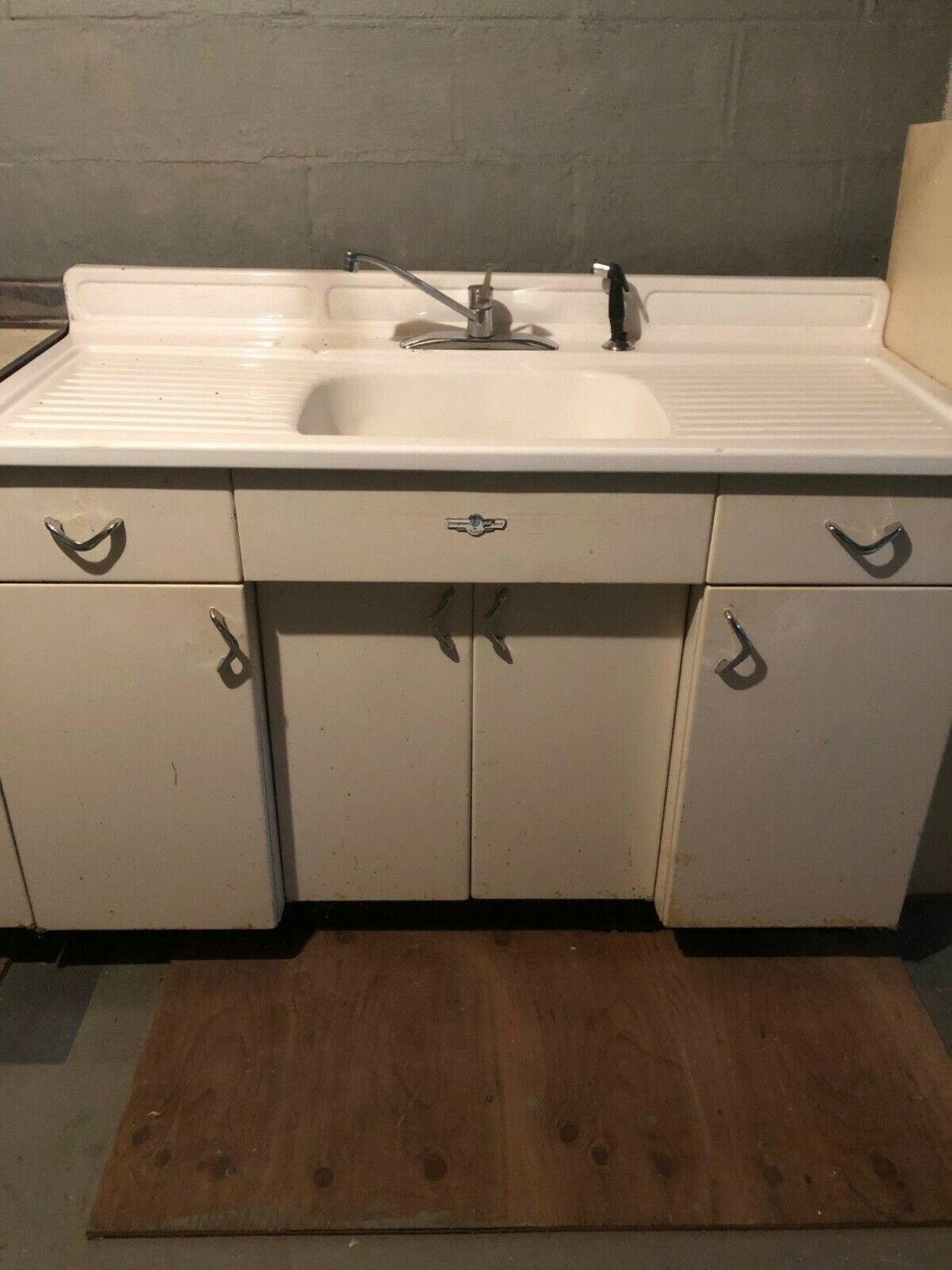 8 Youngstown Metal Kitchen Cabinets Value Metal Kitchen Cabinets Metal Kitchen Kitchen Cabinets
