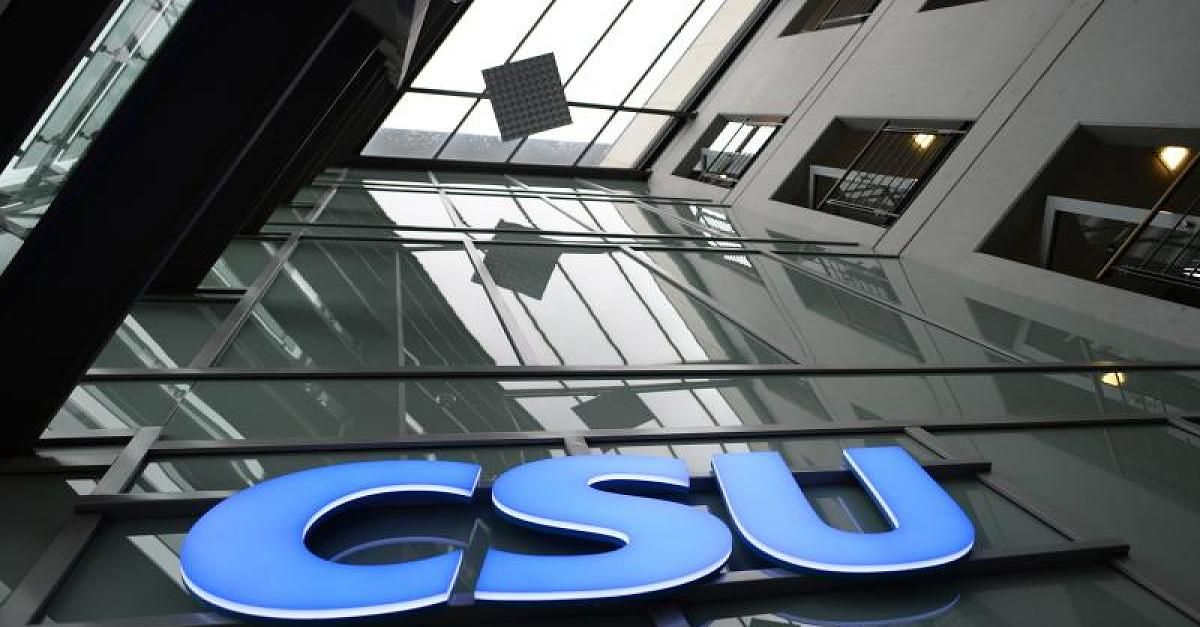 Neues Rentenpapier - CSU fordert: Eltern entlasten keine Steuern erhöhen - http://ift.tt/2c3Nf7x