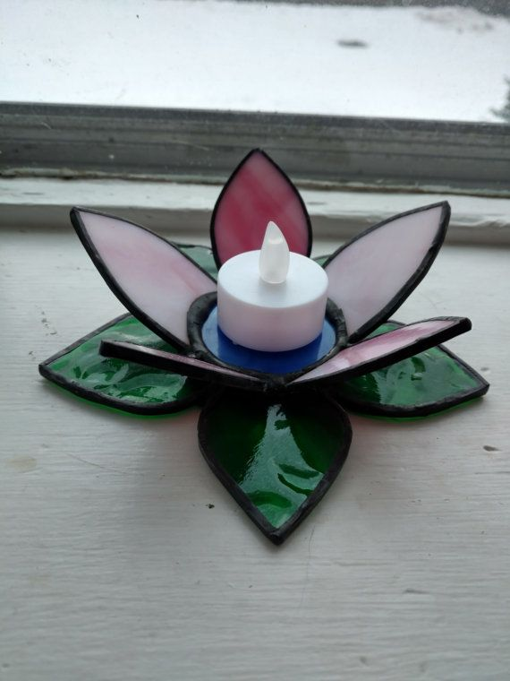 stained glass lily votive | vitraux et photophore