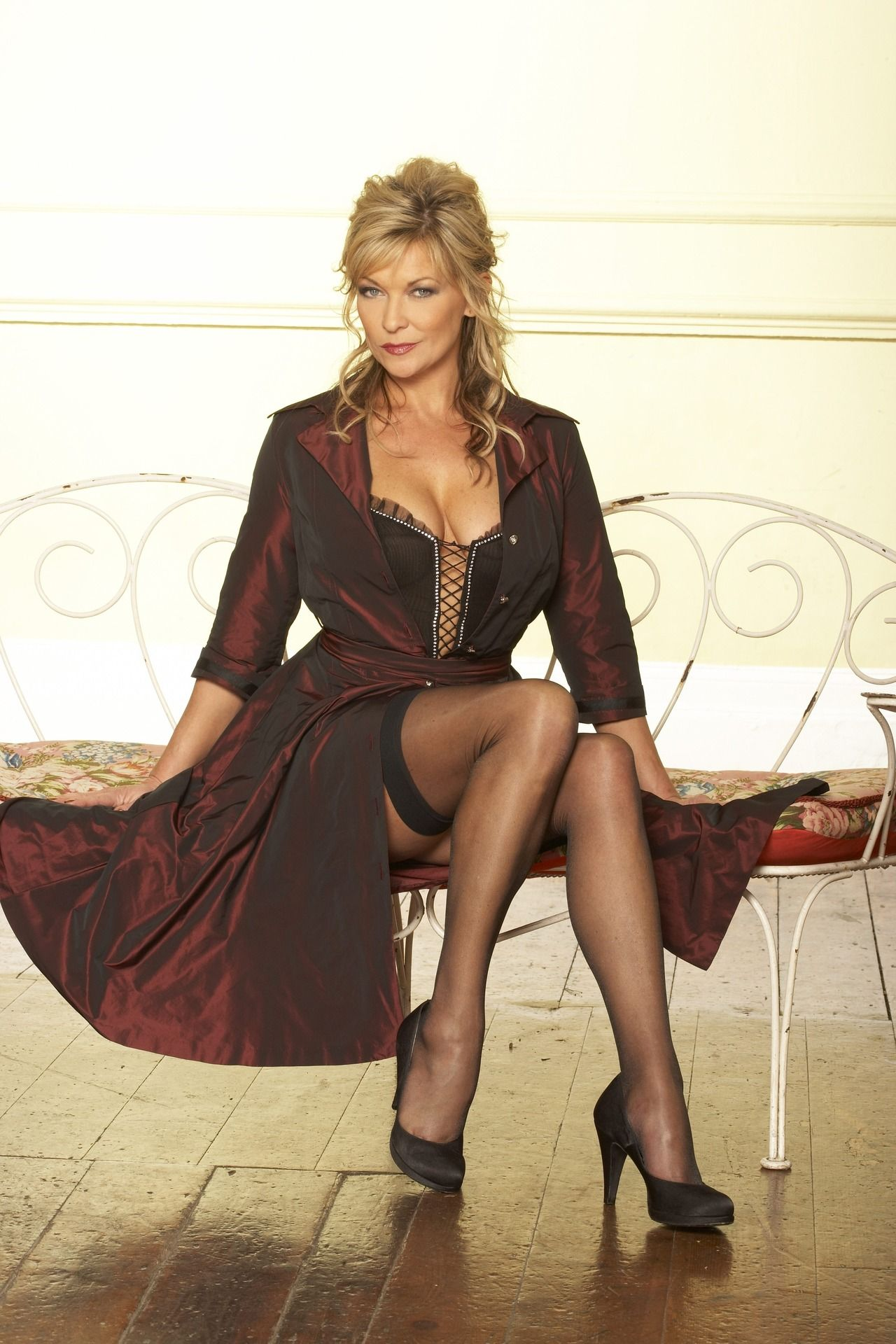 huntington mills mature personals A milf is a sexy mature lady who wants to hook up for sex so if you are seeking local milfs and want to get into milf dating visit localmilf and join now.