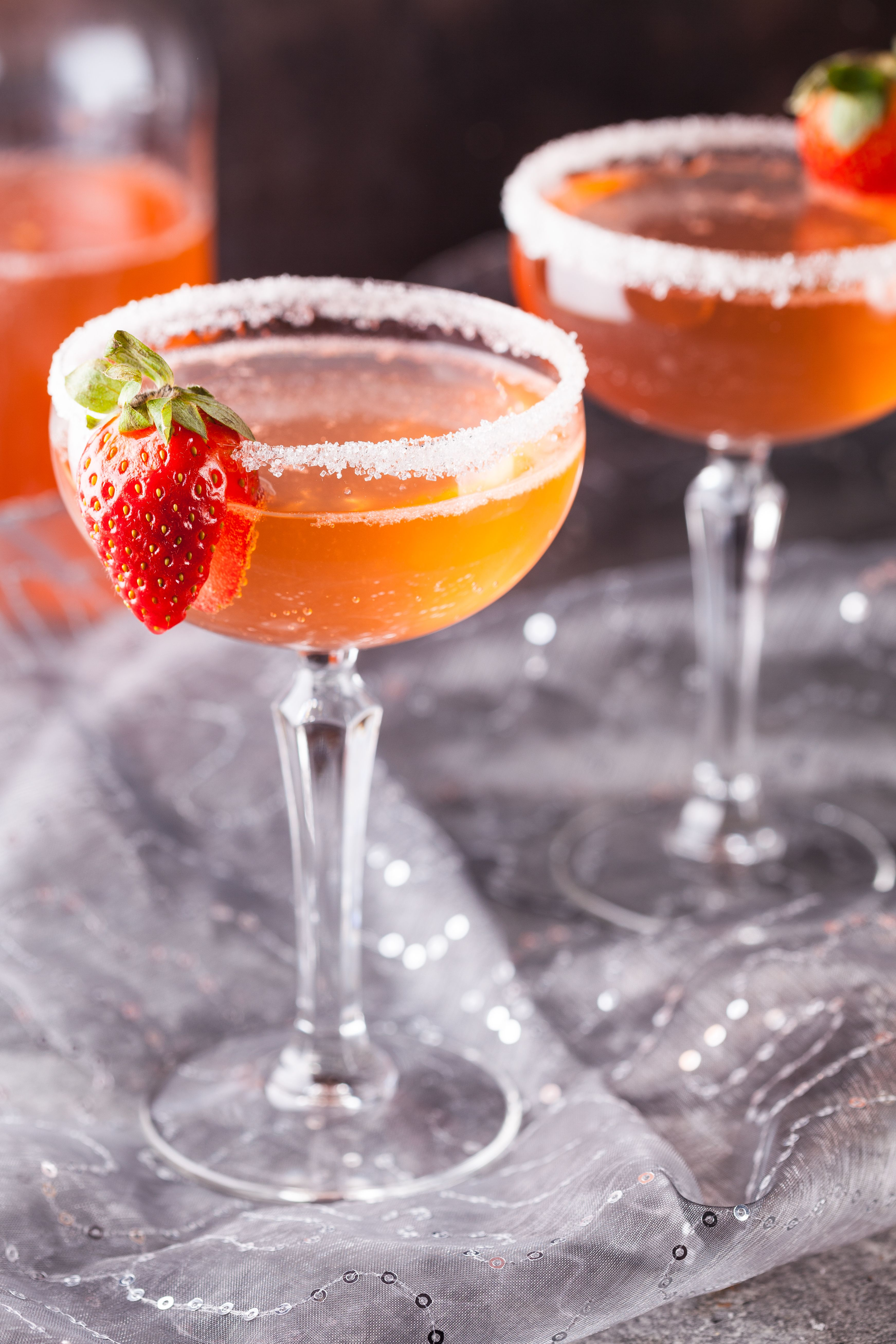 Rose Water Strawberry Lemonade عصير الليمون بالفراولة وماء الورد Traditional Bread Recipe Juicing Lemons Strawberry Lemonade