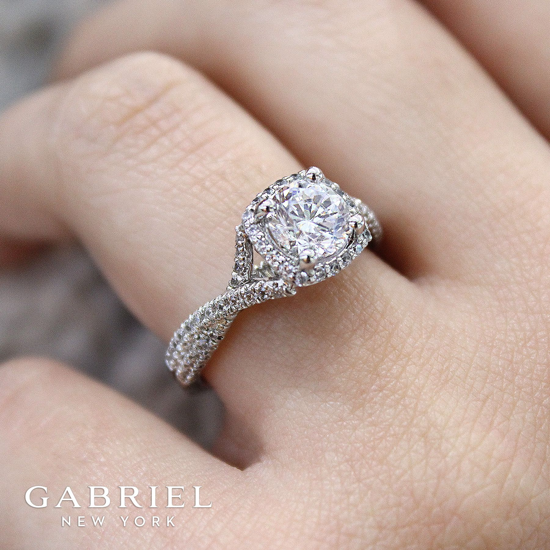 Pin On Round Engagement Ring