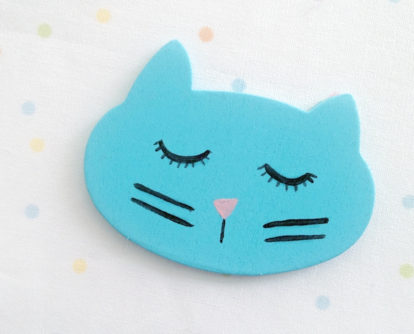hand painted cat brooch pin