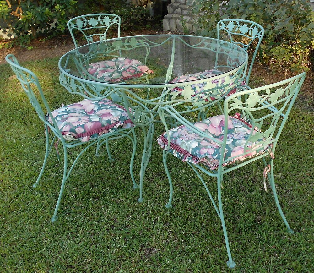 Wrought iron patio chairs vintage - Vintage Wrought Iron Patio Set Dogwood Blossoms Branches Sage Green 8 Pcs