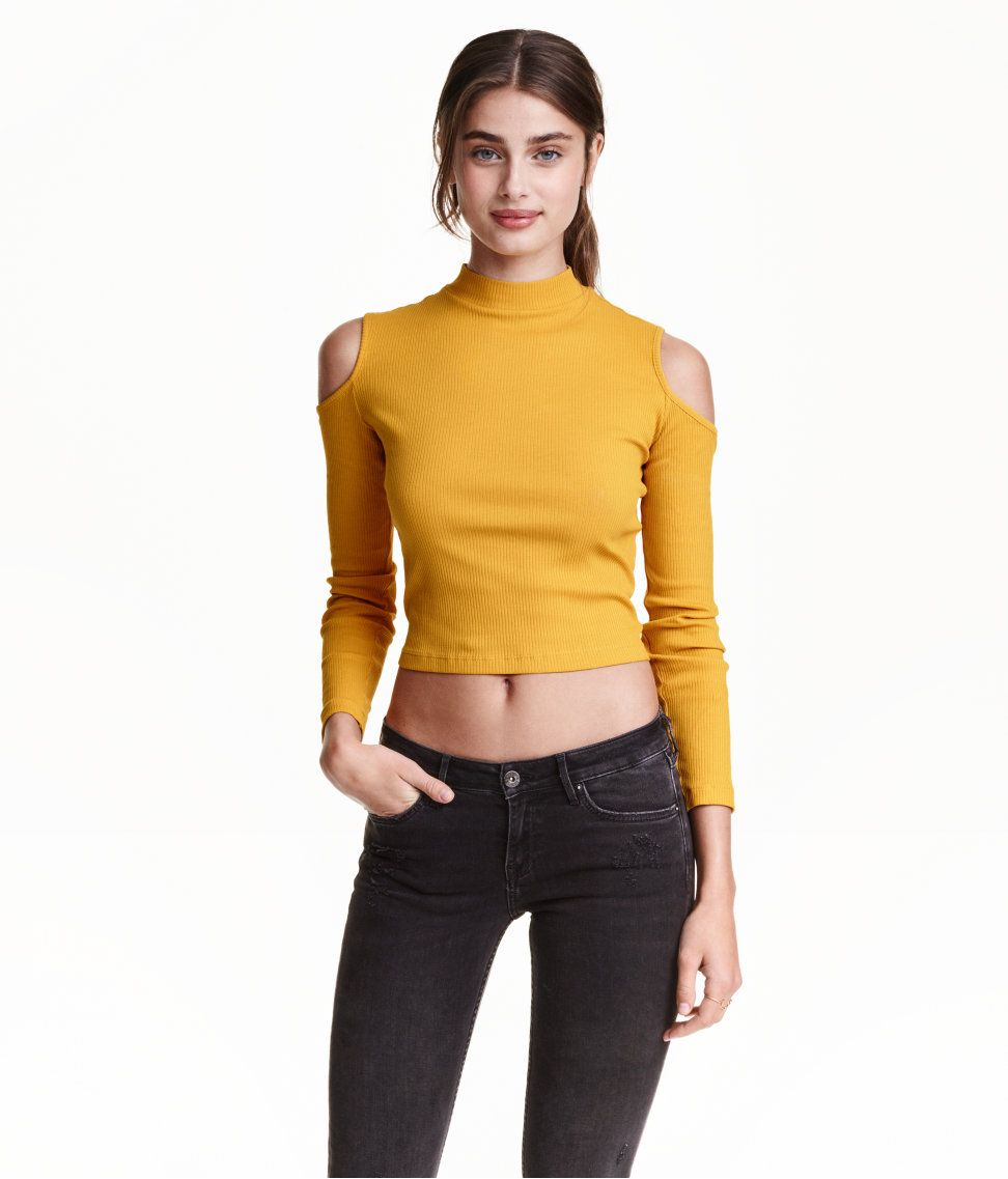 da5bbbf679143f One of the top trends for this summer season. You can wear with jeans or a  cute skirt    HM Ribbed Open-shoulder Top ( 17.99)