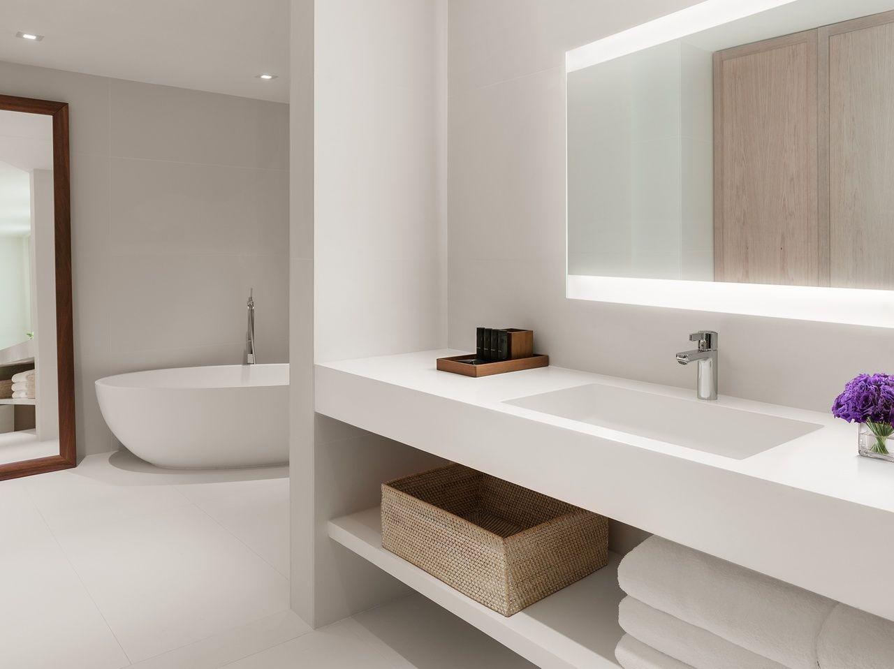 The miami beach edition spiegel badkamers en badkamer