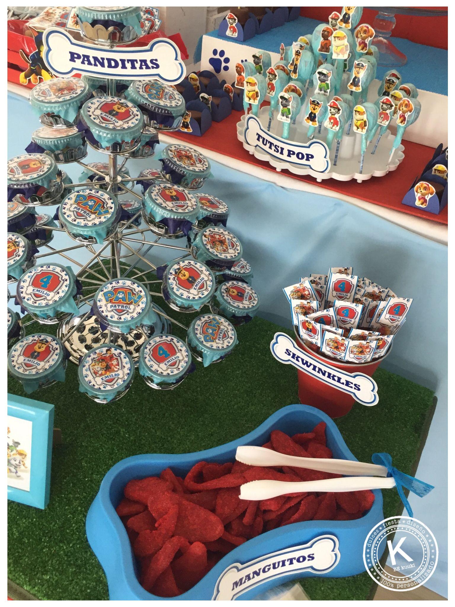 Mesa de dulces   candy bar   cumpleaños   paw patrol   fiesta   rojo y azul   chase  mascotas   perros   www.beKUUKI.com