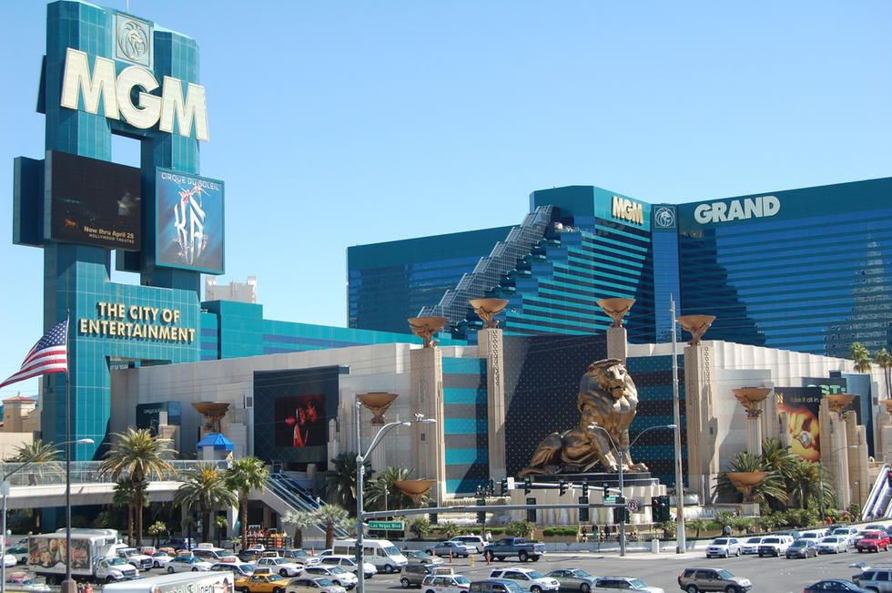 Mgm Grand Las Vegas Is A 5 Star Hotel In Lasvegas Nevada The