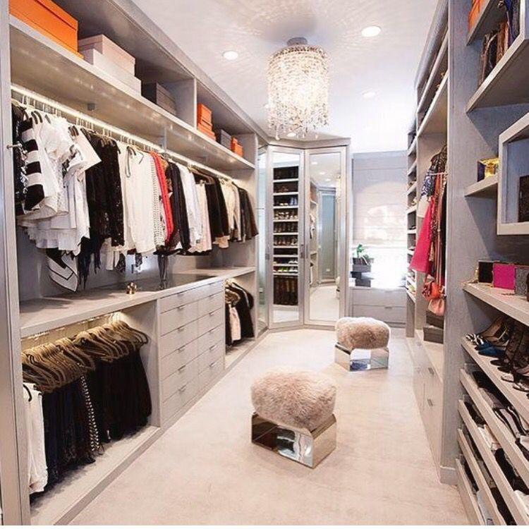 Walk In Closet: 28 Design Ideas Plus Decorating Tips