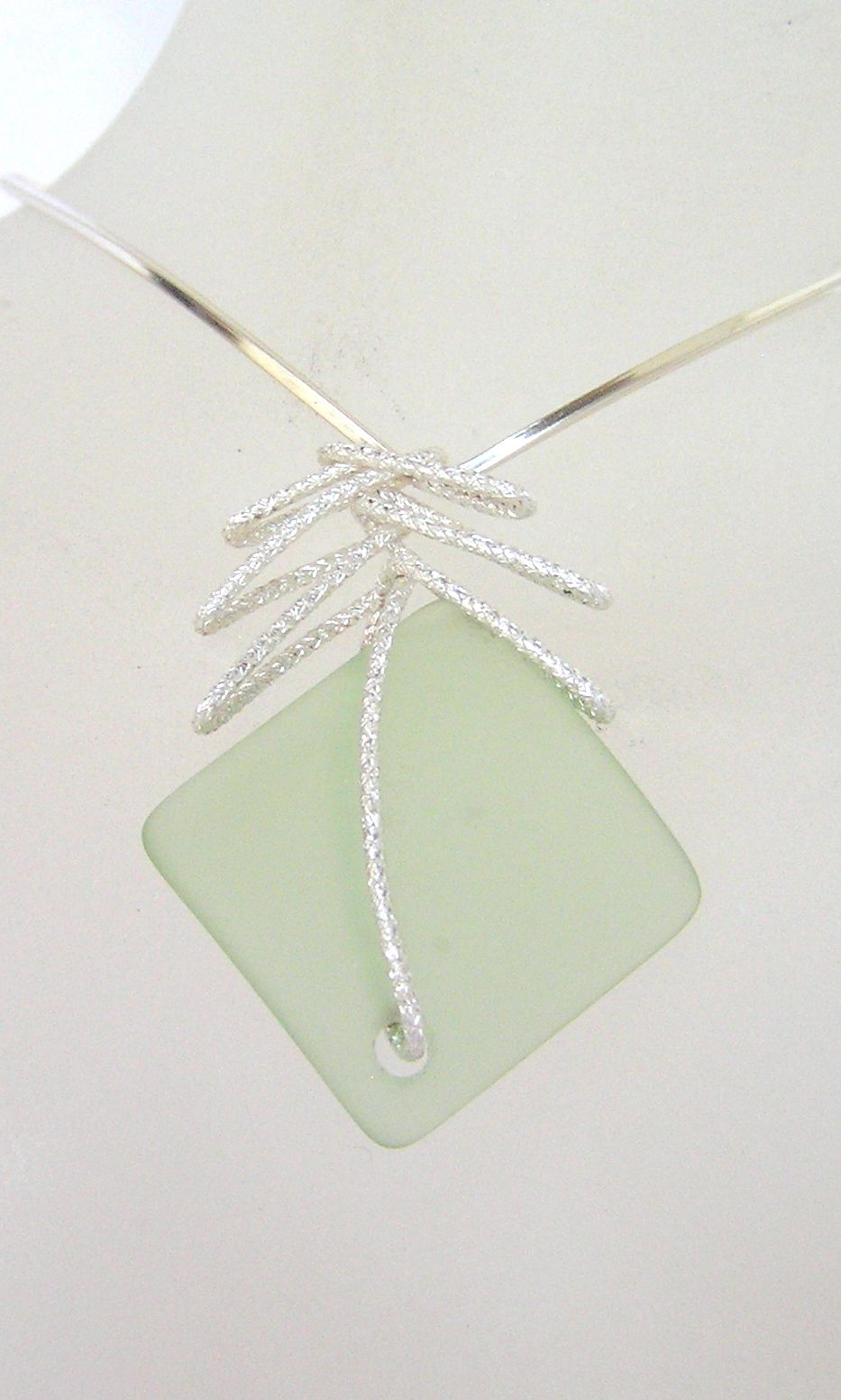 Cute sea glass pendant, like it?