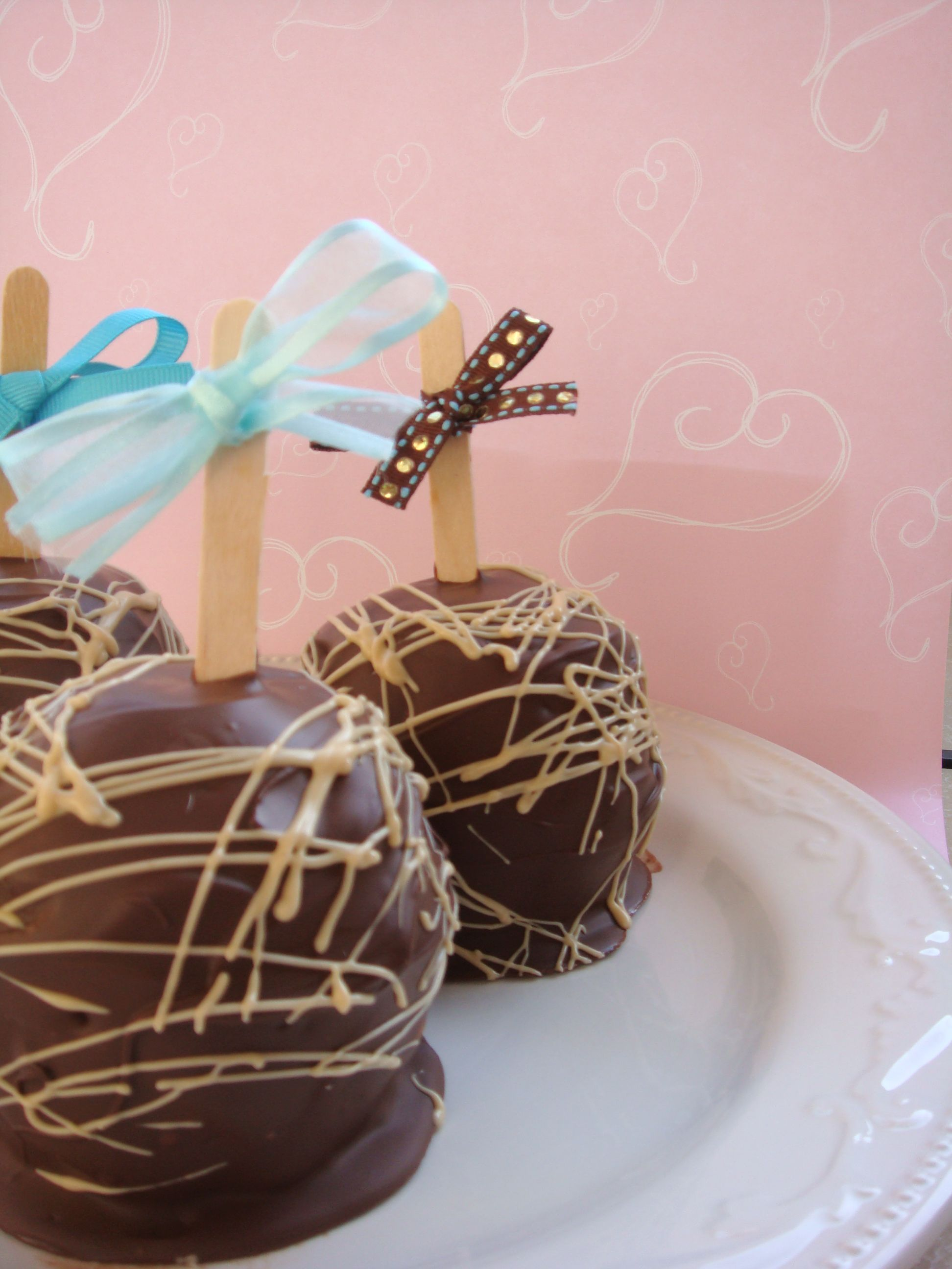 Gourmet Caramel Apples made and photographed by @MySweetCreations ...