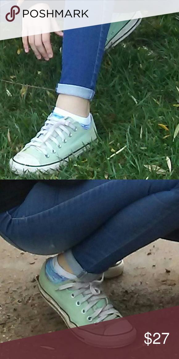 Women's mint green converse size 8
