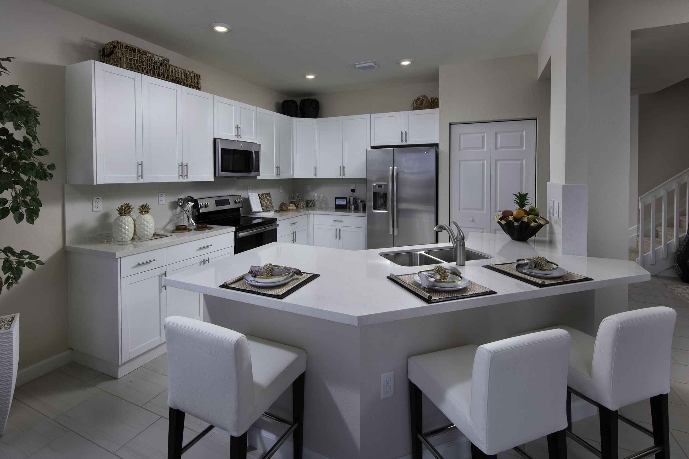 This Spacious Kitchen With Brand New Appliances Is Perfect For Cooking Up A Holiday Feast Aquabe Outdoor Kitchen Cabinets Kitchen Design Rustic Kitchen Design