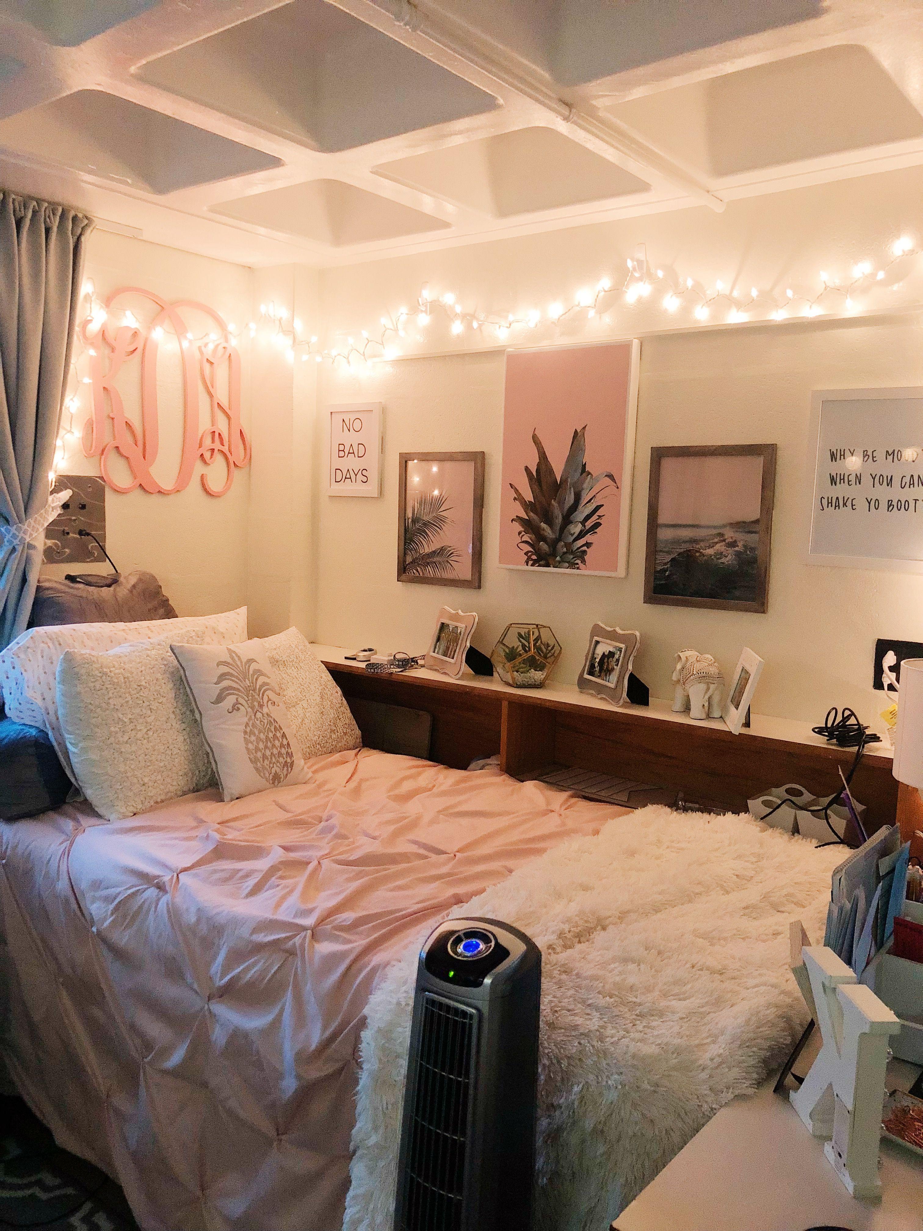 Small Dorm Room Ideas: Dorm Room Inspiration, Dorm Room Designs