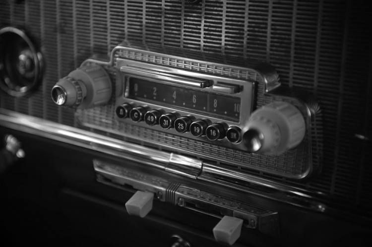Tbt The First Car Radio Was Invented In 1929  Something
