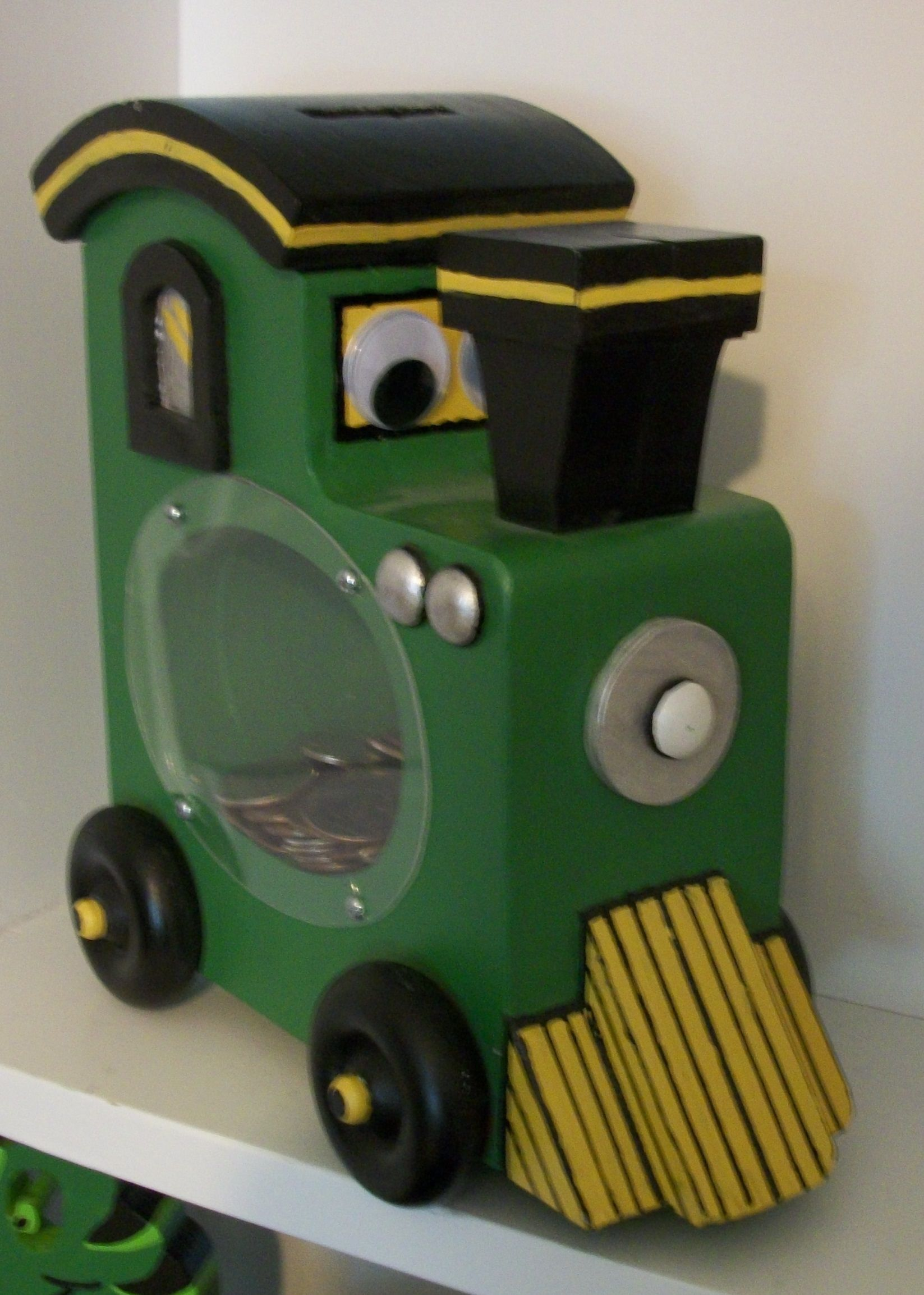 Wooden Train Money Bank.  Pattern from Scroll Saw Magazine.