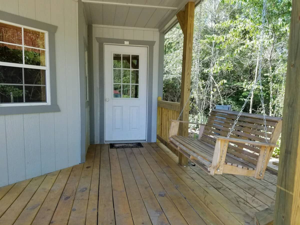 Tiny 1 bedroom cottage cabin Tiny House for Sale in
