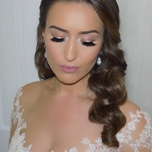 I kept my make up soft for my wedding day   Skin: Pearl Radiance Primer with Microsilque Foundation @elciecosmetics | Orgasm Blush @narsissist | Champagne Pop Highlight @beccacosmetics |  Eyes: @jouercosmetics Essential Matte & Shimmer Eye Shadow Palette | Lid color: Shell @doseofcolors | Lashes: Raquel @hudabeauty | Brows: Soft Brown Dipbrow @anastasiabeverlyhills |  Lips: Dulce De Leche lipstick @jouercosmetics  #makeupbyvjosa #weddingmakeup #bridalmakeup #shalajwedding