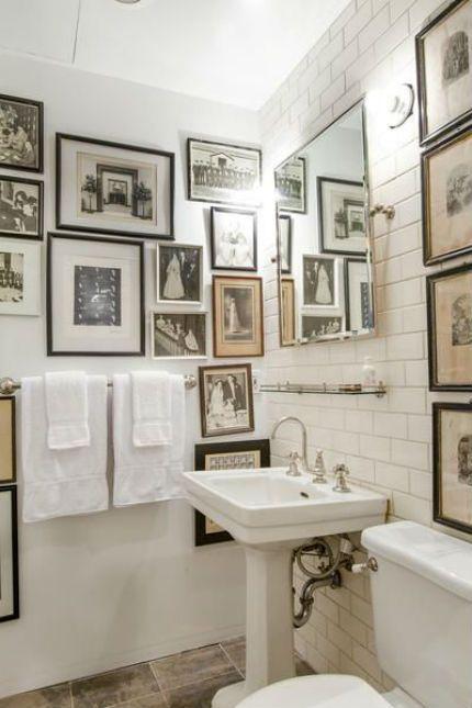Cuadros en el cuarto de baño … | Baño | Pinterest | Cuarto de baño ...