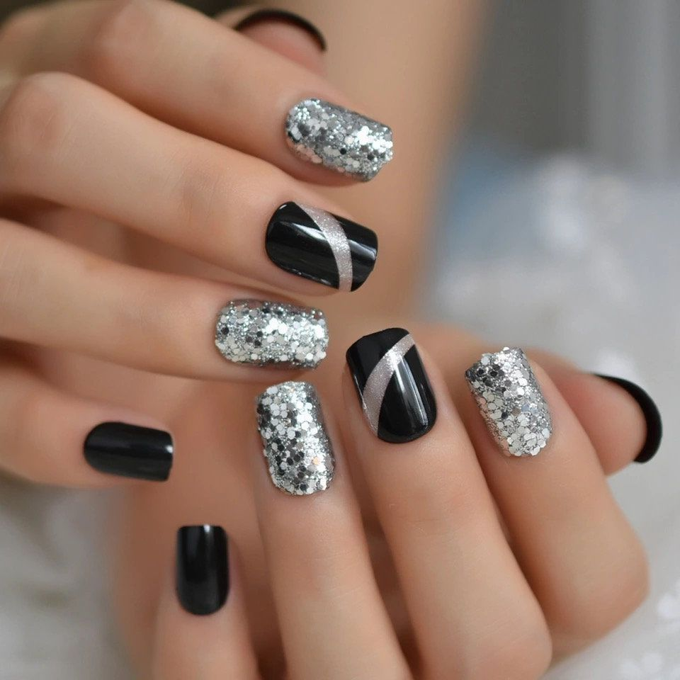 Excited To Share This Item From My Etsy Shop Rough Silver Glitter Faux Ongles Short Black Nail In 2020 Black Nails With Glitter Acrylic Nail Tips Silver Nail Designs