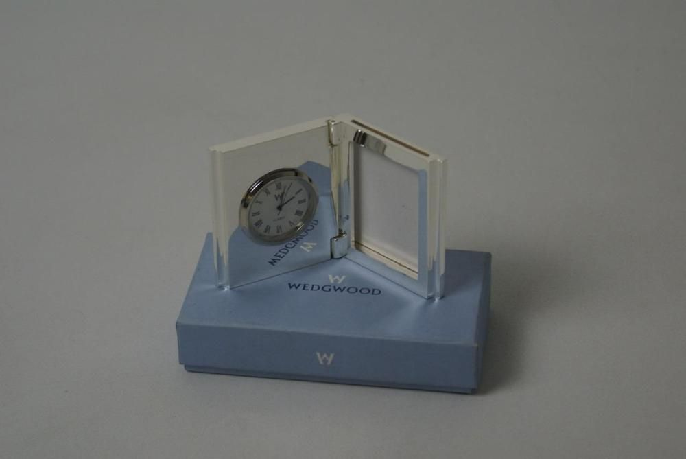 ref065AR) Wedgewood Bedside Clock and Picture Frame | Miniature ...